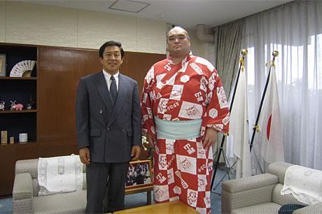 武州山関東松山市役所来訪